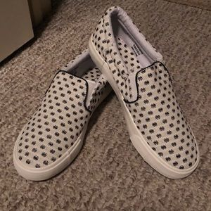 LOFT slip on polka dot shoes